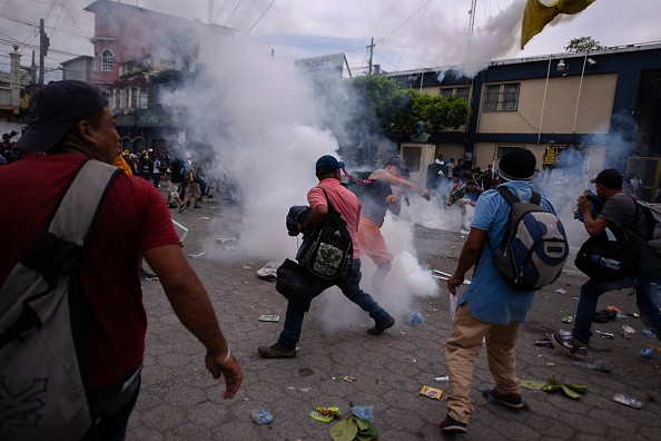 Guatemala-Mexico,Guatemala-Mexico border,Migrants clash,Migrants clash at Guatemala-Mexico border,Guatemala-Mexico clash,Guatemala-Mexico clash pics