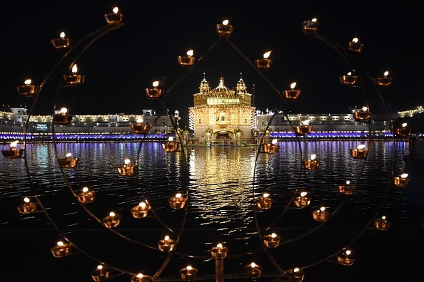 Golden temple celebrates Diwali,Golden temple celebrates Bandi Chhor Diwas,Golden temple,Diwali celebration at Golden temple,Bandi Chhor Diwas