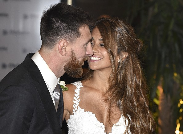 Lionel Messi and Antonella Roccuzzo,Lionel Messi,Antonella Roccuzzo,Lionel Messi and Antonella Roccuzzo wedding,Lionel Messi and Antonella Roccuzzo marriage,Lionel Messi and Antonella Roccuzzo wedding pics,Lionel Messi and Antonella Roccuzzo wedding image