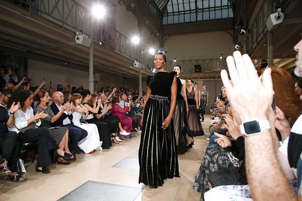 Naomi Campbell,Naomi Campbell catwalk,Naomi Campbell's surprise catwalk,Naomi Campbell at Paris Haute Couture Fashion Week,Paris Haute Couture Fashion Week,Naomi Campbell new pics,Naomi Campbell new images,Naomi Campbell new stills,Naomi Campbell new