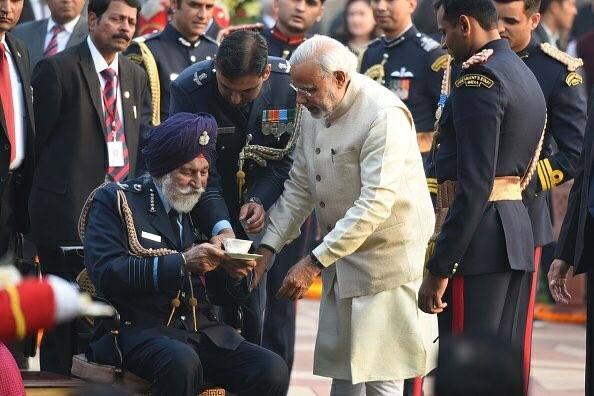 Narendra Modi,PM Narendra Modi,Narendra Modi remembers Marshal,Narendra Modi remembers Arjan Singh,Arjan Singh,Arjan Singh rare pics,Arjan Singh rare images,Arjan Singh rare stills,Arjan Singh rare pictures