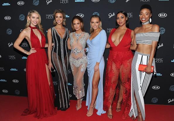 Voluptuous swimwear model,model Tabria Majors,Tabria Majors curves,celebs curves,hot curves,hollywood celebs,hot hollywood celebs
