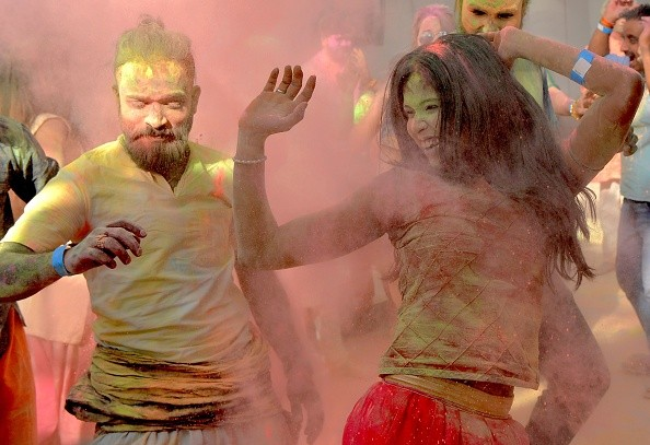 Happy Holi 2018,Happy Holi,Holi 2018,Holi wishes,Holi greetings,Holi quotes,Holi sms,Holi pics,Holi images,Holi photos,Festival of Colours