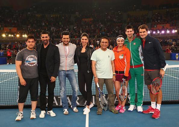 Deepika Padukone, Aamir Khan, Akshay Kumar on Court with Roger Federer at IPTL [PHOTOS]