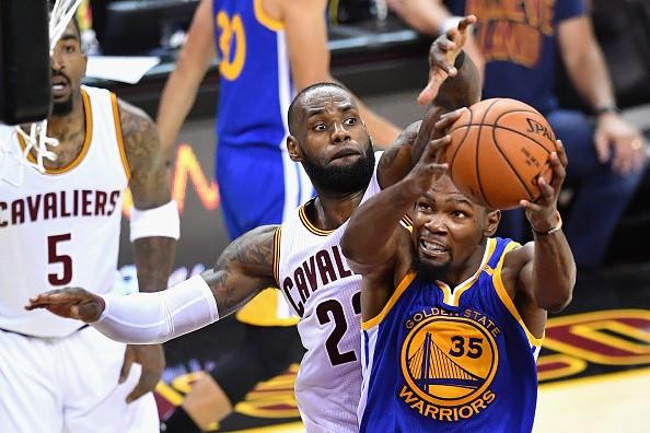 d68b5907c84 Watch Golden State Warriors vs Cleveland Cavaliers NBA 2017 final ...