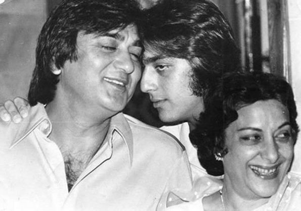 Sanjay Dutt,actor Sanjay Dutt,Sanjay Dutt with parents,Sanjay Dutt with his parents,Sanjay Dutt shared a priceless picture