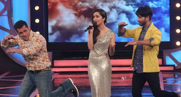 'Bigg Boss 8': Salman learns from 'Haider' star Shahid, Sonali Bombs Sukirti Into Danger Zone