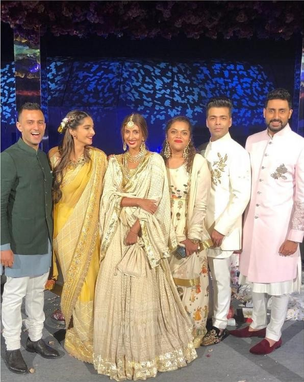 Sonam Kapoor and Anand Ahuja,Sonam Kapoor,Anand Ahuja,sonam kapoor boyfriend,Karan Johar,Abhishek,Abhishek Bachchan,Shweta Bachchan