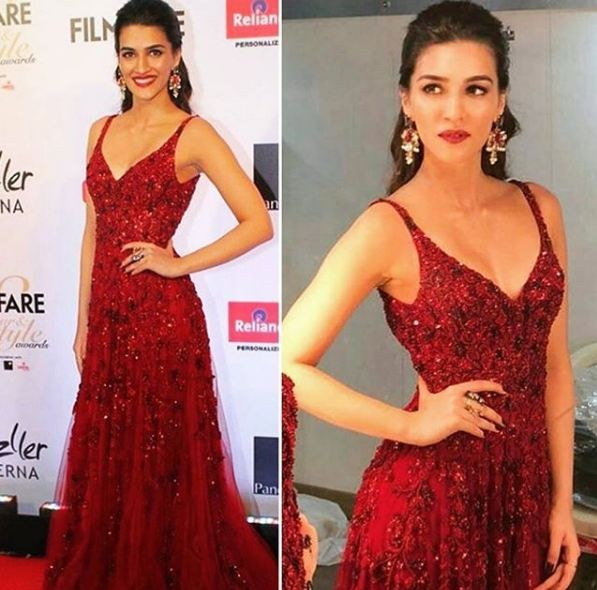 Kriti Sanon,actress Kriti Sanon,Kriti Sanon in red gown,Filmfare Glamour & Style Awards 2017,Kriti Sanon looks gorgeous in red gown,Kriti Sanon looks gorgeous,Kriti Sanon hot pics,Kriti Sanon hot images,Kriti Sanon hot stills,Kriti Sanon hot pictures