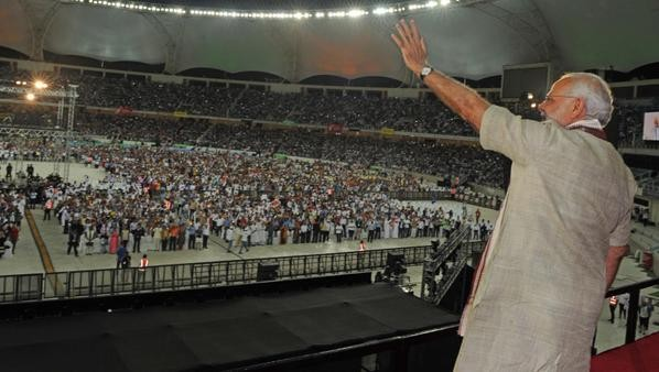 PM Modi Addresses 50,000 Indians in Dubai,PM Modi in Dubai,Modi in Dubai,Modi in Dubai live,narendra modi,narendra modi in Dubai