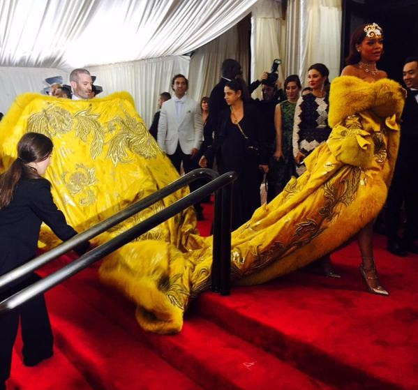 Rihanna,actress Rihanna at Met Gala 2015 Red Carpet,hollwood actress Rihanna at Met Gala 2015 Red Carpet,hollywood actress Rihanna,Met Gala 2015,Met Gala,Rihanna pics,Rihanna images,Rihanna photos,Rihanna stills,Rihanna pictures,hot Rihanna,Rihanna hot pi