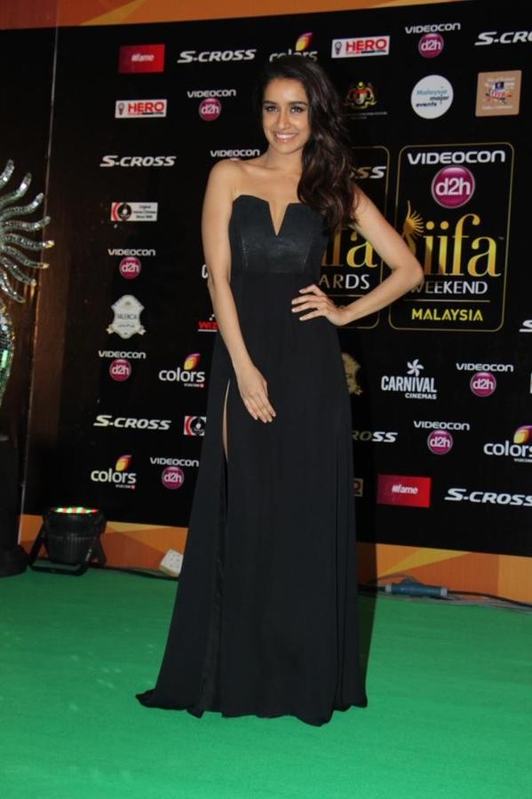 Shraddha Kapoor at IIFA Awards 2015 Green Carpet,Shraddha Kapoor at IIFA Awards 2015,Shraddha Kapoor at IIFA 2015 Awards,Shraddha Kapoor at IIFA Awards,Shraddha Kapoor,actressShraddha Kapoor,Shraddha Kapoor pics,Shraddha Kapoor images,IIFA Awards 2015,IIF
