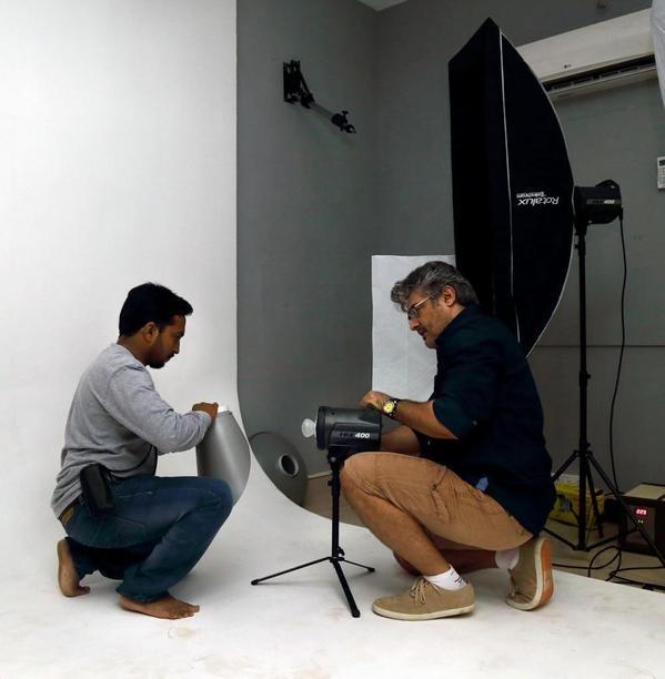 Ajith working Stills with Sivabalan,Ajith working Stills,thala ajith,ajith and Sivabalan,ajith and Sivabalan working stills,ajith and Sivabalan working pics,actor Ajith,Ajith kumar,Ajith Kumar Photography,Ajith Kumar Photography pics,Ajith Kumar Photograp