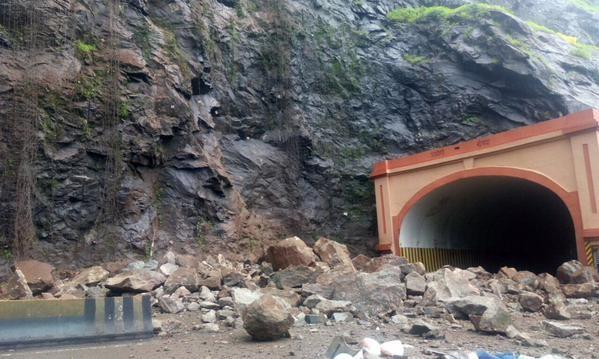 Mumbai-Pune expressway,Landslide on Mumbai-Pune expressway,Landslide on Mumbai-Pune expressway pics,Landslide on Mumbai-Pune expressway images,Landslide on Mumbai-Pune expressway photos,Landslide on Mumbai-Pune expressway stills,Landslide on Mumbai-Pune e
