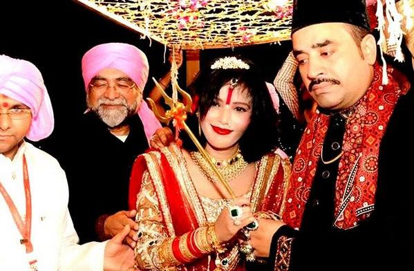 Radhe Maa Sexy Photo