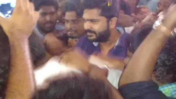 Vaalu First Show,Simbu at Kasi Theater,Simbu,Silambarasan,actor simbu,Kasi Theater