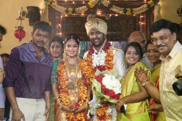 Puli,vijay,Vijay at Shanthanu Marriage,Vijay at Shanthanu wedding,actor vijay,ilayathalapathy vijay,Shanthanu Marriage,Shanthanu wedding