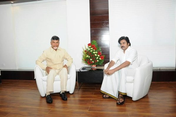 Pawan Kalyan meets Chandrababu Naidu,Pawan Kalyan with Chandrababu Naidu,Pawan Kalyan and Chandrababu Naidu,Pawan Kalyan,Chandrababu Naidu,Jana Sena Party President Pawan Kalyan,Andhra Pradesh Chief Minister N Chandrababu Naidu