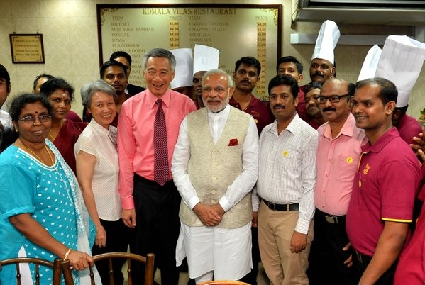 Narendra Modi,Lee Hsien Loong,Narendra Modi dines with Lee Hsien Loong,Little India,Modi,Modi in Singapore,Singapore counterpart Lee Hsien Loong