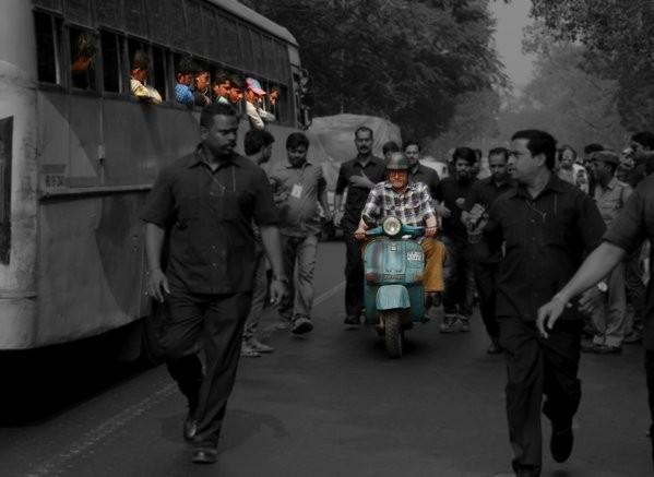 Amitabh Bachchan,Amitabh Bachchan rides scooter,Te3N,Amitabh Bachchan in Te3N,actor Amitabh Bachchan,Amitabh Bachchan new movie,Amitabh Bachchan new pics,Amitabh Bachchan new images,Amitabh Bachchan new photos,Amitabh Bachchan stills