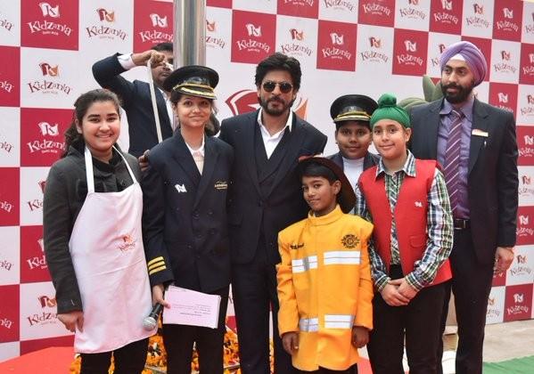 Shah Rukh Khan,actor Shah Rukh Khan,Shah Rukh Khan at Kidzania Event,Shah Rukh Khan at Kidzania,Kidzania Event,Kidzania,KidZania in Delhi,SRK,Shahrukh Khan
