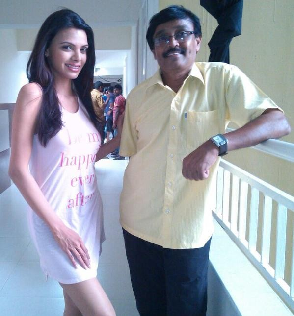 Rare Pictures Of Sherlyn Chopra - Photos,Images,Gallery - 5193-5989