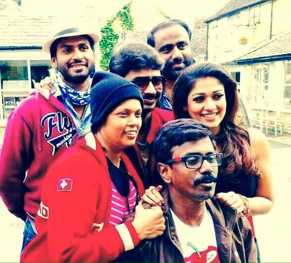 Cast and Crew of 'Nannbenda'