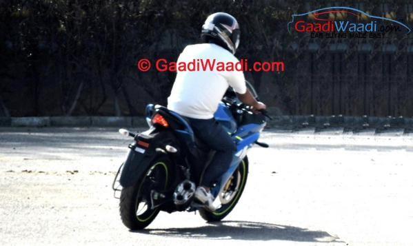 Suzuki Fully Faired Gixxer SLK Spied Completely Undisguised