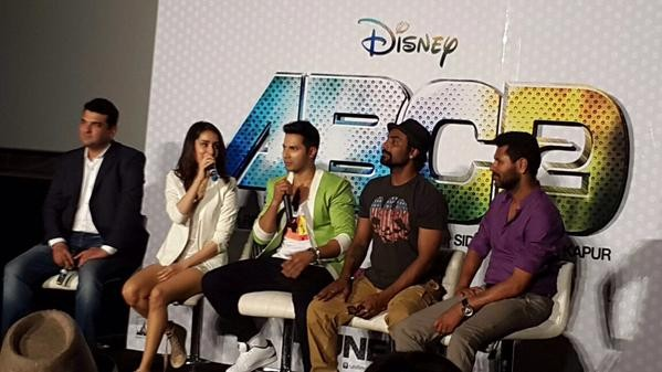 'ABCD 2': Varun Dhawan, Shraddha Kapoor Charm at Trailer Launch