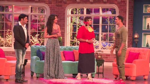 'Gabbar Is Back' Actors Akshay Kumar, Shruti Haasan Arrive At 'Comedy Nights With Kapil'