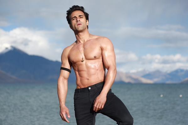 Sanam re first look pulkit samrat goes shirtless flaunts six pack pulkit samrats first look in sanam re altavistaventures Image collections
