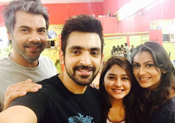 "Abhi to woo Pragya back on ""Kumkum Bhagya."" Pictured: ""Kumkum Bhagya"" actors Shabbir Ahluwalia, Arijit Taneja, Sriti Jha and Leena Jumani"