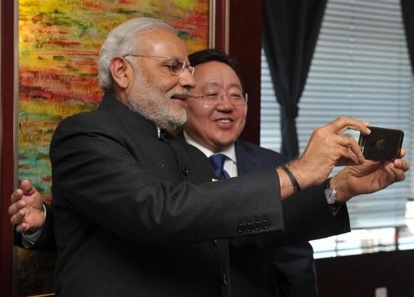 Modi selfie with Mongolian President Elbegdorj