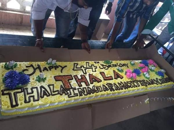 Vidharth joins Thala Birthday Celebrations in Chennai,Vidharth joins Thala Birthday Celebrations,Vidharth,actor Vidharth,Vidharth celebrates ajith birthday,ajith birthday celebration,ajith birthday,ajith birthday 2015,ajith birthday celebration pics,ajith