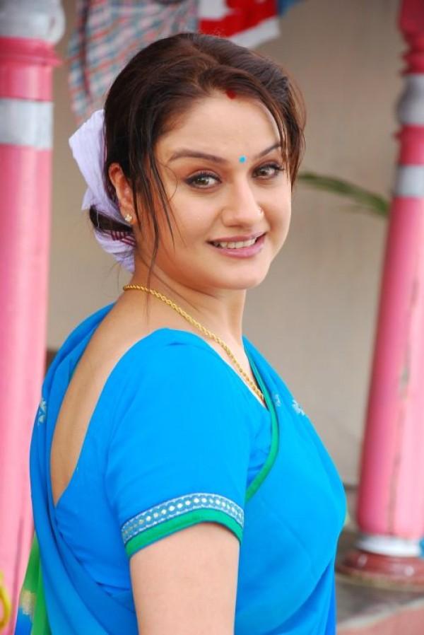 Sonia Agarwal Stills From Palakkattu Madhavan Movie -8636