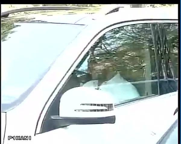 Salman Khan Verdict Live Photos,Salman Khan Verdict,Salman Khan,actor Salman Khan,Salman Khan at Mumbai Sessions Court,Mumbai Sessions Court,Salman khan hit and run case,Salman Khan case,Salman Khan pics,Salman Khan images
