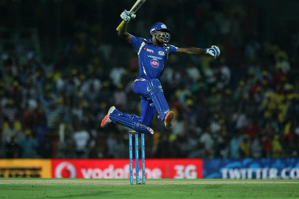 Chennai Super Kings vs Mumbai Indians Match Pics