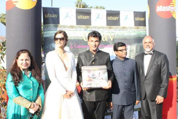 Sonam Kapoor launches Chef Vikas Khanna's book at Cannes,Sonam Kapoor,actress Sonam Kapoor,Sonam Kapoor at cannes,Sonam Kapoor at cannes 2015,Sonam Kapoor hot pics,hot Sonam Kapoor,Vikas Khanna's book,Cannes,Cannes Film Festival 2015,Cannes Film Festival