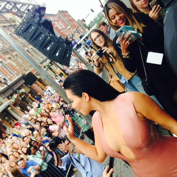 Kim Kardashian Flaunts Her Itty Bitty Baby Bump,Kim Kardashian Flaunts Baby Bump,Kim Kardashian,Kim Kardashian pregnant,Kim Kardashian Flaunts Bitty Baby Bump,Kim Kardashian pics,Kim Kardashian images,Kim Kardashian photos,Kim Kardashian stills