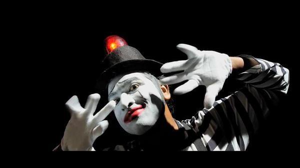 Vijay Sethupathi,Orange Mittai,Straight Ah Poyee Video Song,Straight Ah Poyee,Straight Ah Poyee song,actor Vijay Sethupathi,Vijay Sethupathi pics,Vijay Sethupathi images,Vijay Sethupathi photos,Vijay Sethupathi stills,Vijay Sethupathi in Orange Mittai Mov
