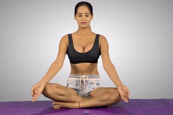 Poonam Pandey,Poonam Pandey's Yoga Pics,Poonam Pandey's Yoga images,Poonam Pandey's Yoga stills,Poonam Pandey's Yoga pictures,Poonam Pandey's Yoga
