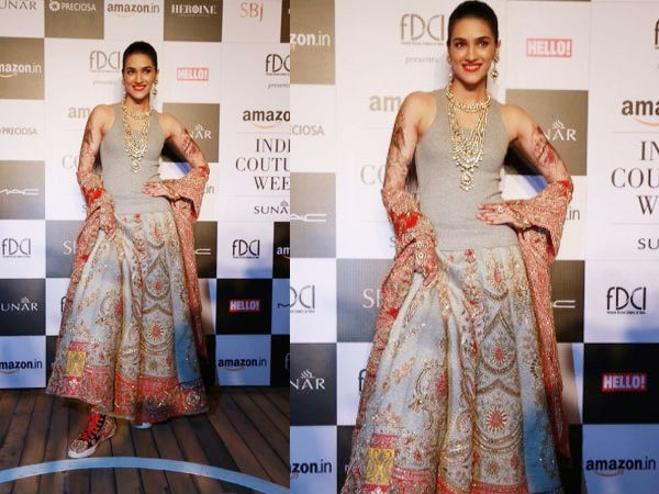 Kriti Sanon,Kriti Sanon at Amazon India Couture Week 2015,Kriti Sanon At AICW 2015,AICW 2015,Amazon India Couture Week 2015,Amazon India Couture Week,Kriti Sanon at fashion show,Kriti Sanon latest pics,Kriti Sanon latest images,Kriti Sanon latest photos,K