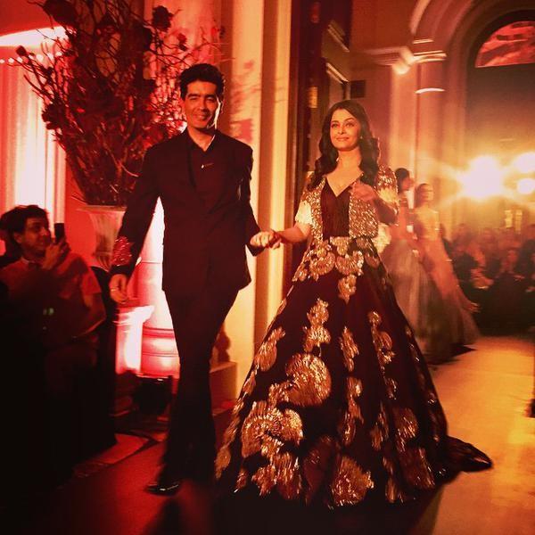 Aishwarya Rai Bachchan,Aishwarya Rai,Aishwarya Rai Bachchan walks for Manish Malhotra at Amazon India Couture Week 2015,Aishwarya Rai at Manish Malhotra,Amazon India Couture Week 2015,Manish Malhotra fashion event,Manish Malhotra,actress Aishwarya Rai Bac
