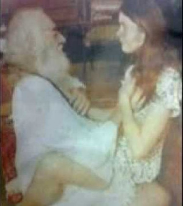 Leaked Pics Of Controversial Indian Godmen And Godwomen -2507
