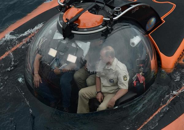 Vladimir Putin,Vladimir Putin photos,Vladimir Putin news,putin bathyscaphe,Vladimir Putin under water