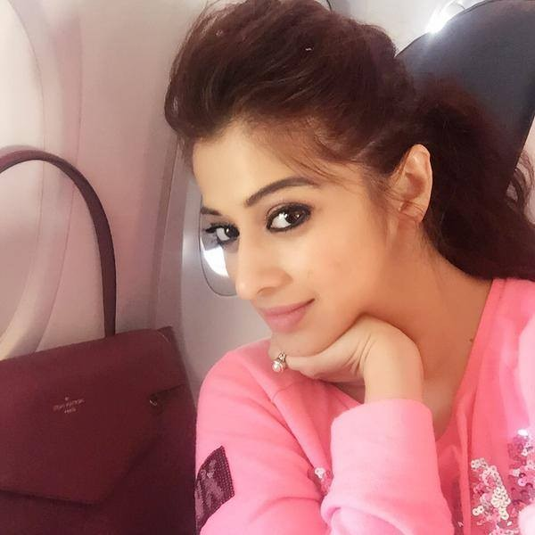 Raai laxmi,raai laxmi latest photos,raai laxmi pics,raai laxmi hot photos,raai laxmi selfies