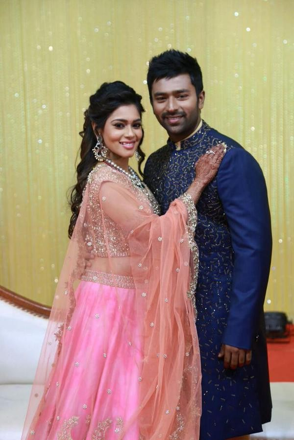 Shanthanu and Keerthi Wedding Reception,Shanthanu and Keerthi Reception,Shanthanu Wedding Reception,Shanthanu and Keerthi,Shanthanu,Keerthi,Shanthanu Reception,Shanthanu marriage Reception,Vijay,Rajinikanth,Vijayakanth
