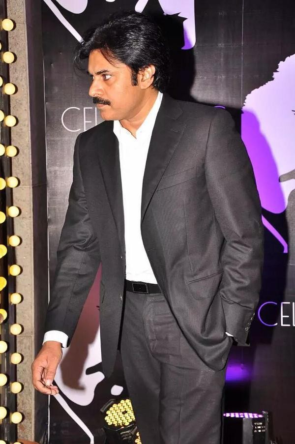 Pawan Kalyan,Chiranjeevi on 60th birthday,Chiranjeevi 60th birthday,Chiranjeevi 60th birthday celebration,Chiranjeevi,actor Pawan Kalyan,Pawan Kalyan latest pics,Pawan Kalyan latest images,Pawan Kalyan latest photos,Pawan Kalyan latest pictures