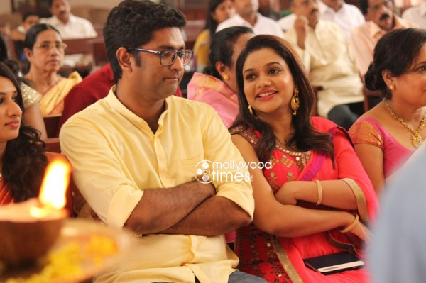 Muktha Rinku Tomy Engagement Pictures Photosimagesgallery 28180