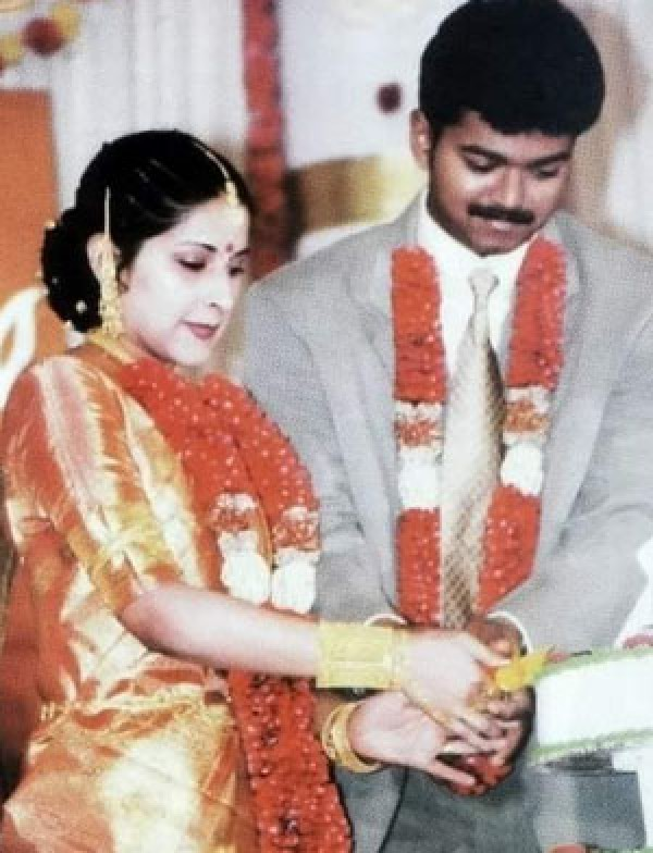 Happy Wedding Anniversary Vijay and Sangeetha: Rare and Unseen
